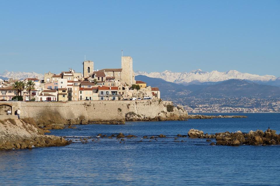 Découvrir la Côte d'Azur et ses paysages